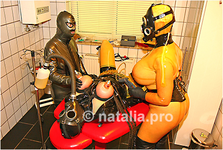 rubber-latex-doctor-doctress-nurse-matron-rubbernurse-headnurse-urologist-nun-patient-clinic-rubberclinic-asylum-hospital-huge-silicone-fake-tits-gyno-chair-gasmask-breath-respiration-control-reduction-catheter-urine-pissing-pissbag