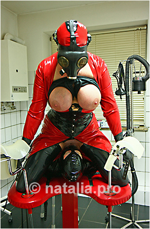 rubber-latex-doctor-doctress-nurse-matron-rubbernurse-headnurse-patient-clinic-rubberclinic-asylum-hospital-huge-silicone-fake-tits-gyno-chair-gasmask-breath-respiration-control-reduction-catheter-urine-pissing-bondage-restraints-facesitting