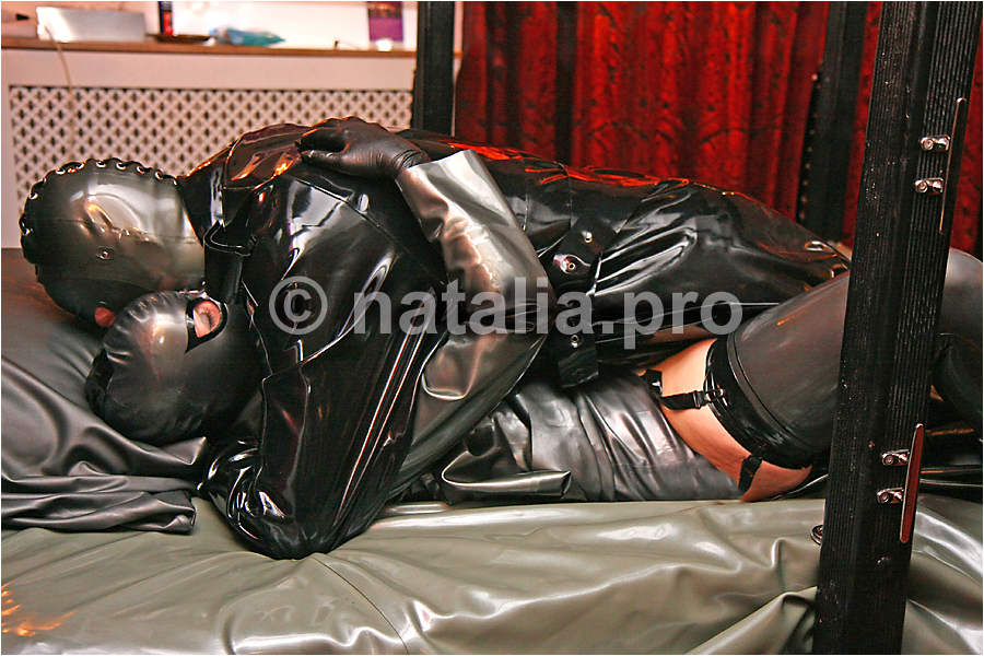 heavy-rubber-latex-love-rubberbed-latexbed-rubbermask-latexmask-rubberfuck